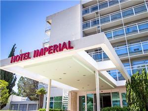 отель Imperial , размещение с бассейном, Воздуха удалённость от моря 50 m