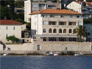 отель Dalmacija , Воздуха удалённость от моря 50 m, Воздух расстояние до центра города 100 m