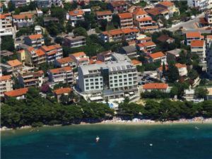 Hotel Park Makarska riviéra, Szállás medencével, Légvonalbeli távolság 5 m, Központtól való távolság 500 m