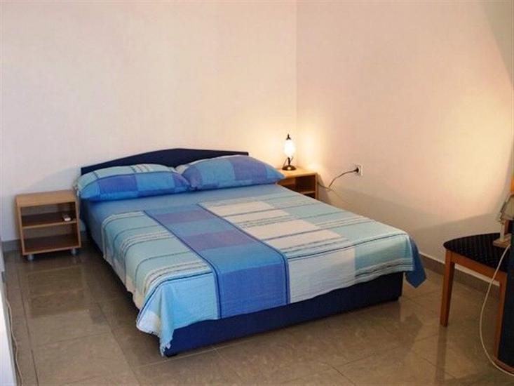 Pokoj S2, pro 3 osoby