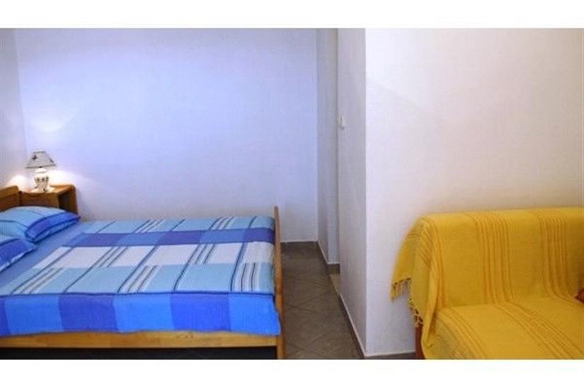 Pokoj S1, pro 3 osoby