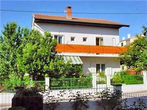Appartement en Kamers Katica Biograd, Kwadratuur 52,00 m2, Lucht afstand naar het centrum 500 m