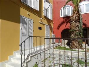 Ferienwohnungen Ivica Zadar, Größe 40,00 m2, Luftlinie bis zum Meer 200 m, Entfernung vom Ortszentrum (Luftlinie) 10 m