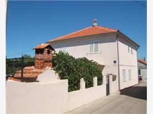 Апартаменты Emil Murter - ostrov Murter, квадратура 38,00 m2, Воздух расстояние до центра города 150 m