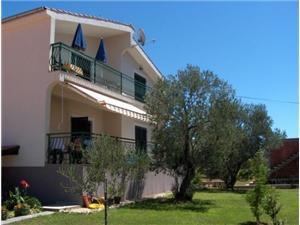 Appartementen Vesna Sv. Filip i Jakov, Kwadratuur 55,00 m2, Lucht afstand tot de zee 250 m, Lucht afstand naar het centrum 400 m