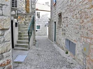 Apartments Sandra Supetar - island Brac,Book Apartments Sandra From 42 €