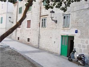 Ferienwohnungen Ivana Split, Größe 30,00 m2, Entfernung vom Ortszentrum (Luftlinie) 300 m