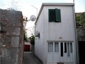 Počitniške hiše Violeta Hvar - otok Hvar,Rezerviraj Počitniške hiše Violeta Od 43 €