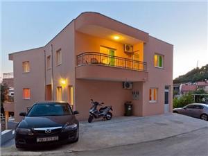 Ferienwohnungen Branka Podgora, Größe 50,00 m2, Luftlinie bis zum Meer 200 m, Entfernung vom Ortszentrum (Luftlinie) 50 m
