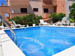 Soukromé ubytování s bazénem Magdalena Okrug Gornji (Ciovo),Rezervuj Soukromé ubytování s bazénem Magdalena Od 5283 kč