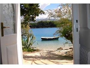 Appartementen Marija Kolocep - eiland Kolocep, Stenen huize, Kwadratuur 45,00 m2, Lucht afstand tot de zee 10 m
