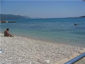 Ferienwohnungen Lada Orebic, Größe 30,00 m2, Luftlinie bis zum Meer 50 m, Entfernung vom Ortszentrum (Luftlinie) 30 m