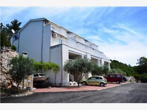 Apartamenty Damir , Powierzchnia 36,00 m2, Odległość do morze mierzona drogą powietrzną wynosi 100 m, Odległość od centrum miasta, przez powietrze jest mierzona 400 m