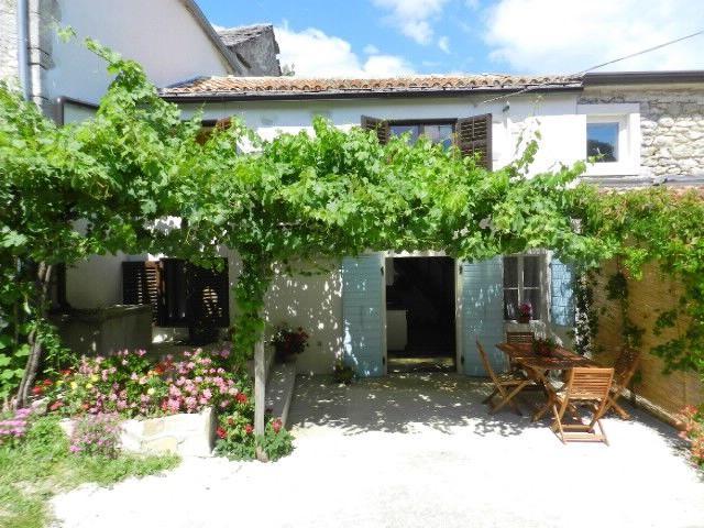 Maison de pierres L'Istrie bleue,Réservez Elena De 88 €