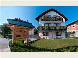Izba Ilija Plitvice, Rozloha 15,00 m2, Vzdušná vzdialenosť od centra miesta 100 m