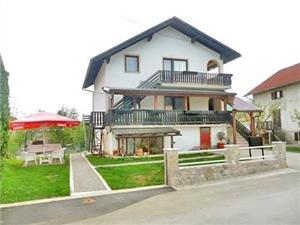 Apartmani Ana Plitvice, Kvadratura 50,00 m2, Zračna udaljenost od centra mjesta 500 m