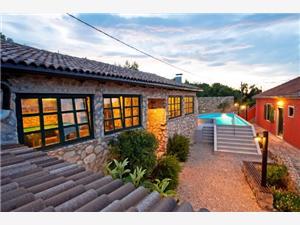 Vila Lili Mali Iz - ostrov Iz, Prostor 300,00 m2, Soukromé ubytování s bazénem, Vzdušní vzdálenost od moře 50 m