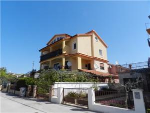 Apartmanok Đurđica Fazana, Méret 55,00 m2, Központtól való távolság 250 m