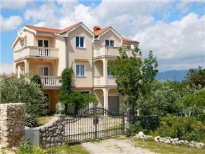 Apartmani Višnja Dobrinj - otok Krk, Kvadratura 38,00 m2, Zračna udaljenost od centra mjesta 100 m