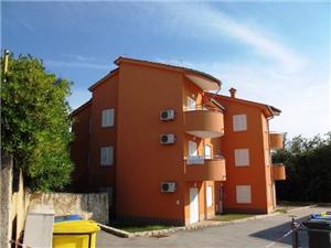 Apartmán Ivan Silo - ostrov Krk, Prostor 60,00 m2, Vzdušní vzdálenost od centra místa 720 m