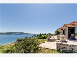 Haus Ivo Kroatien, Haus in Alleinlage, Größe 90,00 m2, Luftlinie bis zum Meer 20 m