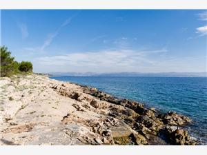 Дом Jasenka Necujam - ostrov Solta, Дома в уединенных местах, квадратура 90,00 m2, Воздуха удалённость от моря 20 m
