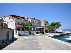Apartmány Ivka , Rozloha 50,00 m2, Vzdušná vzdialenosť od mora 10 m, Vzdušná vzdialenosť od centra miesta 10 m