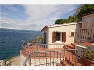Villa Albatros Vrbnik - isola di Krk, Dimensioni 85,00 m2, Distanza aerea dal centro città 280 m