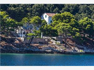 Appartementen Luka Pasadur - eiland Lastovo,Reserveren Appartementen Luka Vanaf 71 €