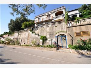 Apartment South Dalmatian islands,Book Graciela From 78 €