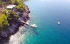 Avlägsna stugor i Kroatien