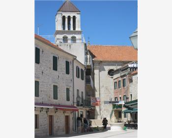 L'église paroissiale de la Sainte Croix (Sv. Kriz) avec son clocher