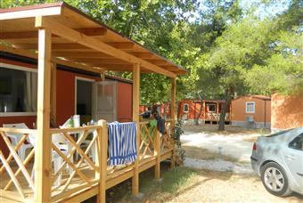 Mobilehäuser in Camps und Touristen Komplexen in ganz Kroatien