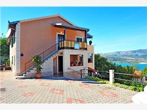 Appartementen Ante Arbanija (Ciovo), Kwadratuur 55,00 m2, Lucht afstand naar het centrum 800 m