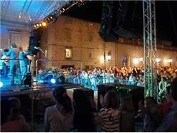 """Koncert """"Pozdrav letu"""" Hvar - ostrov Hvar Oslavy miestneho spoločenstva/ Festival"""
