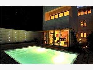 вилла Oscar Split, квадратура 180,00 m2, размещение с бассейном, Воздух расстояние до центра города 5 m