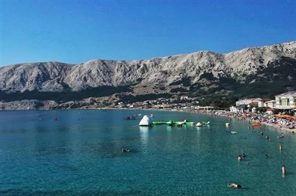 Krk sziget- Lakossága halászattal, tengerészettel, hajóépítéssel, mezőgazdasággal és turizmussal foglalkozik