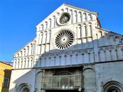 Katedrala Sv. Stošije Metajna - otok Pag Cerkev