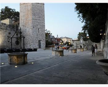 La piazza Cinque pozzi
