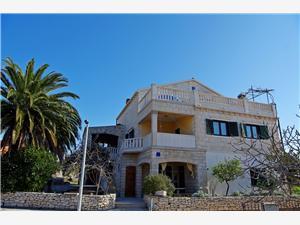 Apartament Mario Sumartin - wyspa Brac, Powierzchnia 125,00 m2, Odległość do morze mierzona drogą powietrzną wynosi 150 m, Odległość od centrum miasta, przez powietrze jest mierzona 10 m