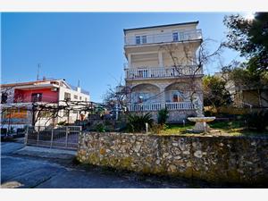 Huis Vlatko Seget Vranjica, Kwadratuur 190,00 m2, Lucht afstand tot de zee 120 m, Lucht afstand naar het centrum 100 m
