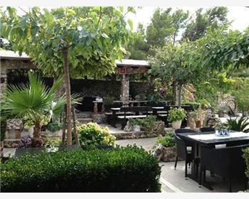 Tavern Mali Raj