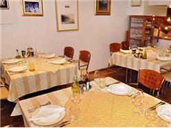 Restaurant Nostromo Kastel Gomilica Restaurant