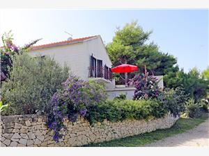 Apartamenty Marina Mirca - wyspa Brac, Powierzchnia 60,00 m2, Odległość do morze mierzona drogą powietrzną wynosi 200 m, Odległość od centrum miasta, przez powietrze jest mierzona 100 m