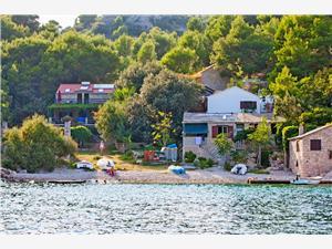 Ház Ivo Közép-Dalmácia szigetei, Robinson házak, Méret 140,00 m2, Légvonalbeli távolság 50 m