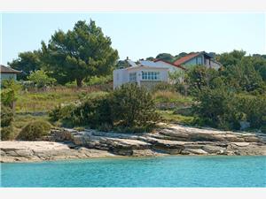 Kuća za odmor Lily Žirje - otok Žirje, Kvadratura 60,00 m2, Zračna udaljenost od mora 50 m