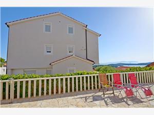Apartments Marija Zarace - island Hvar,Book Apartments Marija From 62 €