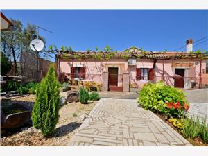 Haus Dario Peroj, Größe 50,00 m2, Entfernung vom Ortszentrum (Luftlinie) 400 m