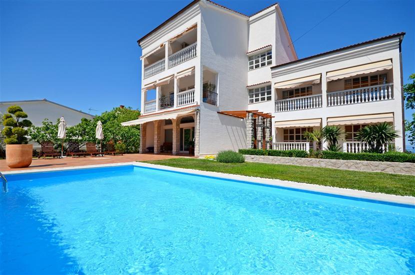 Apartments Siniša