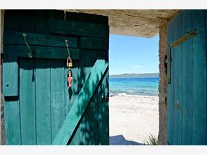 Huis Mislav Dalmatie, Kwadratuur 32,00 m2, Lucht afstand tot de zee 10 m, Lucht afstand naar het centrum 300 m